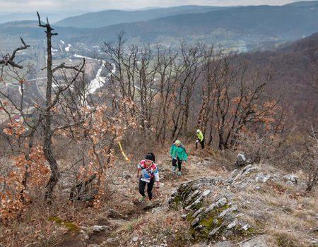 Alergare montana in Padurea Craiului treptele lui Czaran Traseul Deventului 1