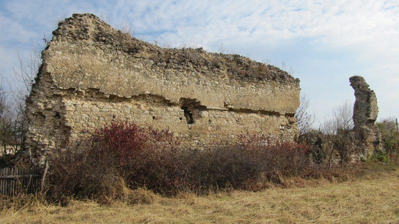 Padurea Craiului Cetatea Kornis Pomezeu
