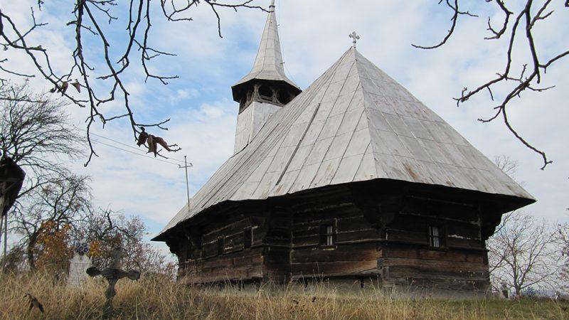 Padurea Craiului Valani de pomezeu biserica de lemn