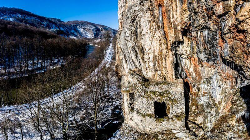 Padurea Craiului Valea Crisului Repede Casa Zmaului
