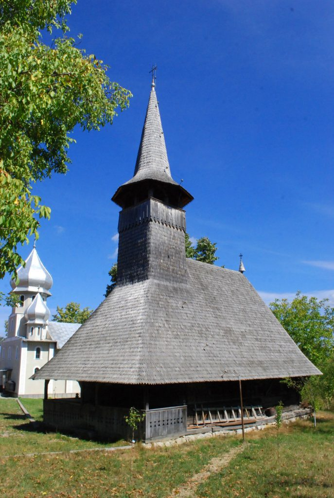 Padurea Craiului Valea Crisului Repede biserica de lemn Josani