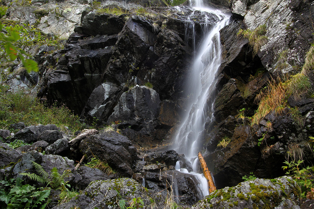 Padurea Craiului Valea Iadului Cascada Miss