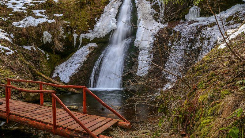 Padurea Craiului Valea Iadului Saritoarea Iedutului