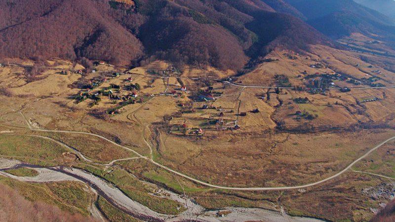 Padurea Craiului Valea Iadului varful Piatra Bulzului
