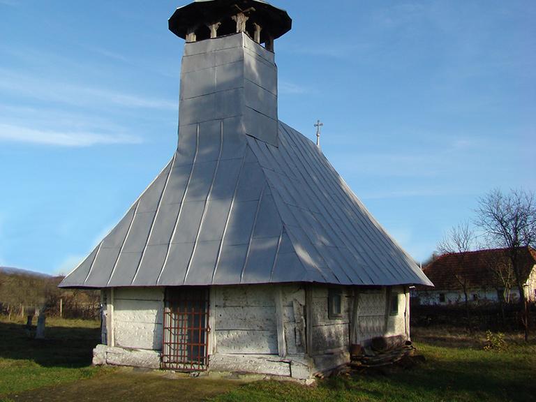 Padurea Craiului Valea Rosia Biserica de lemn Gurbesti