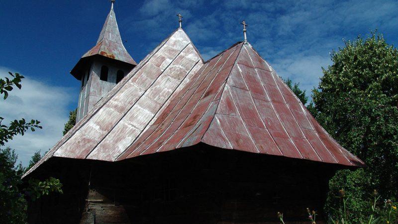 Padurea Craiului Valea Rosia biserica de lemn Soiumus Petreasa