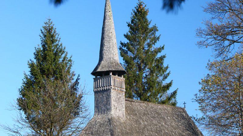 Padurea Craiului biserica de lemn Beznea valea crisului repede