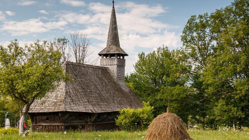 Padurea Craiului biserica de lemn Valea Crisului valea ciruslui repede