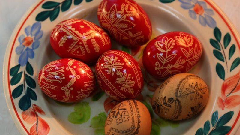 Padurea Craiului Valea Rosia Dragoteni festival incondeiat oua