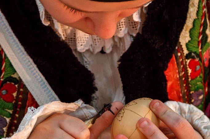 Padurea Craiului Valea Rosia Dragoteni incondeiat oua paste