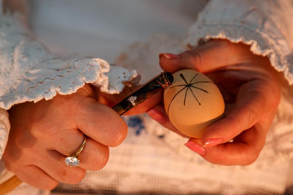 Padurea Craiului Valea Rosia Dragoteni traditii de paste