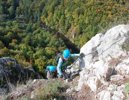 Padurea Craiului Valea Crisului via ferrata Peretele Zanelor
