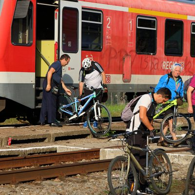 Padurea Craiului cicloturism calatorie cu trenul