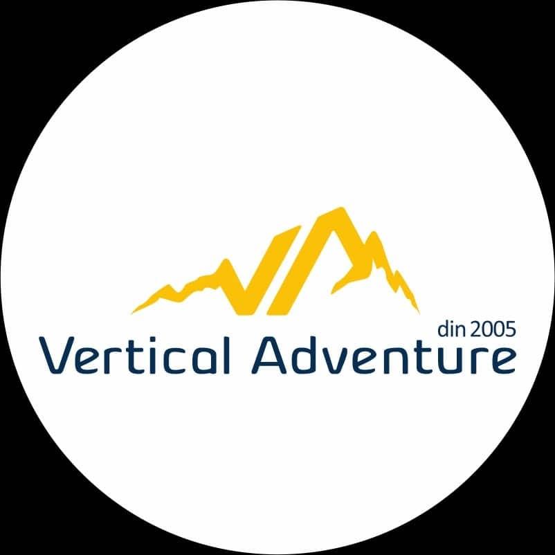 logo vertical adventure