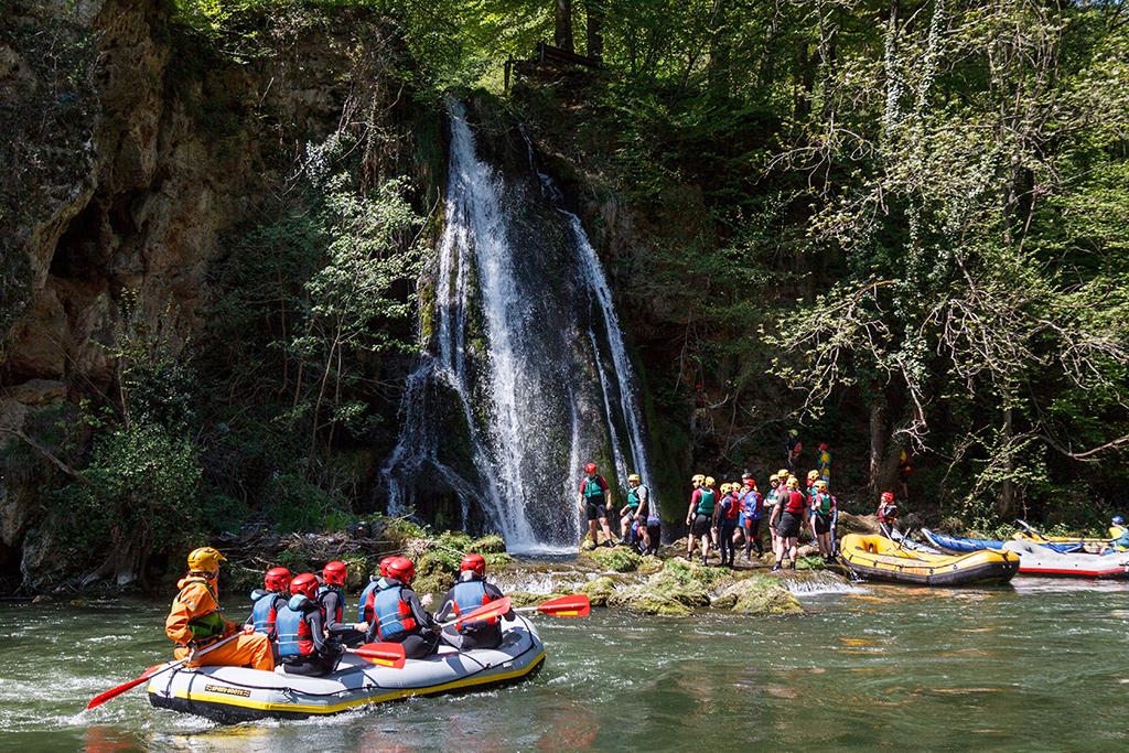 Padurea Craiului Vadu Crisului rafting team building