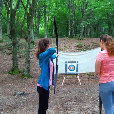 Padurea Craiului activitati de echipa tir cu arcul