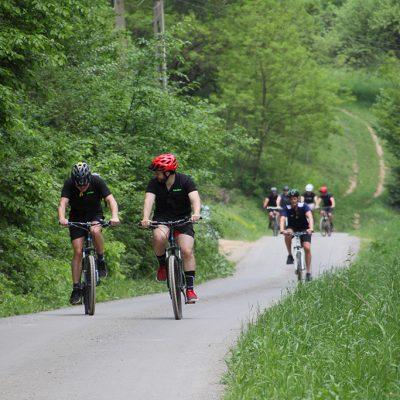 Padurea Craiului cicloturism cu colegii team building
