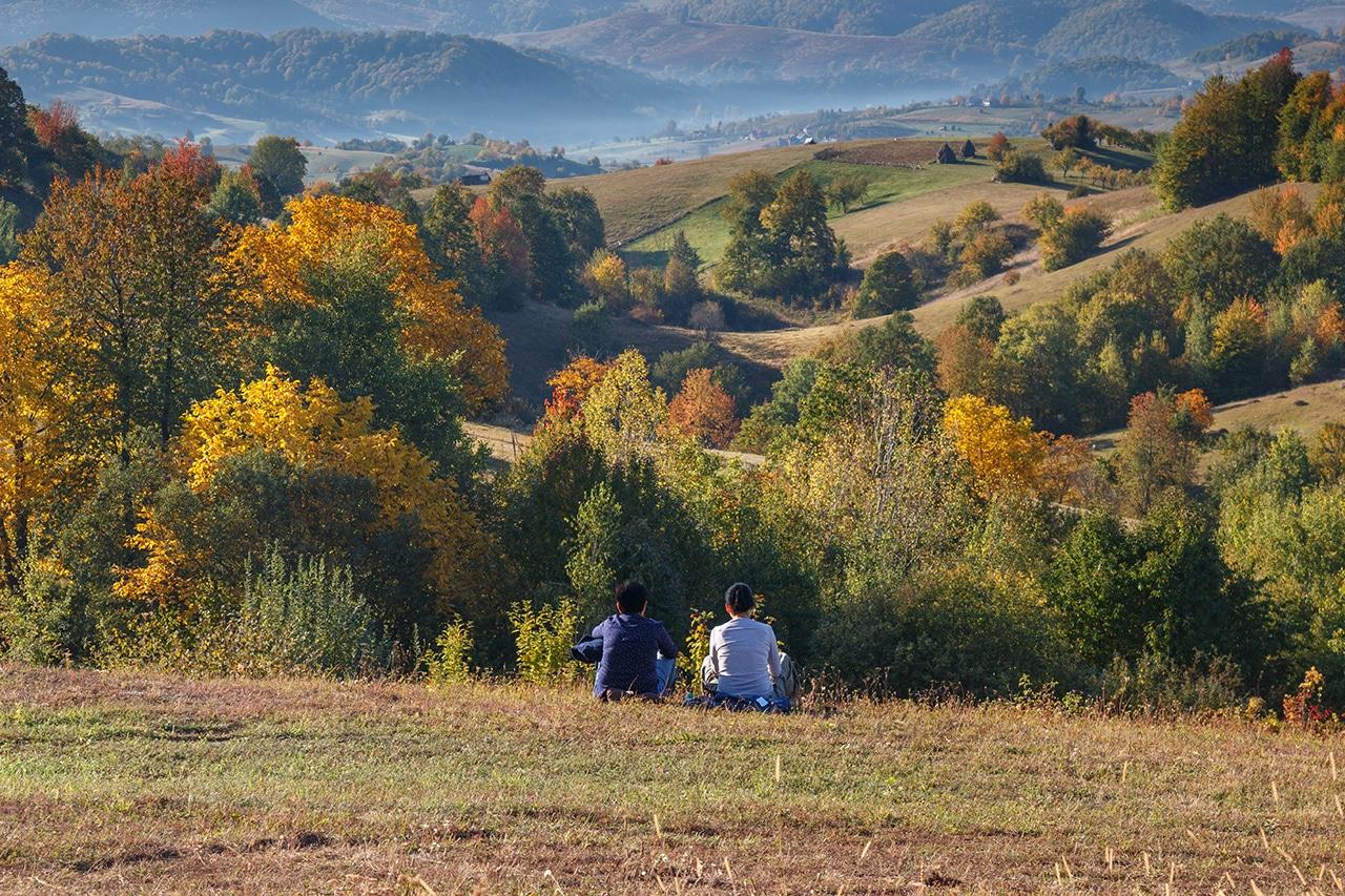 Padurea Craiului peisaj de toamna relaxare